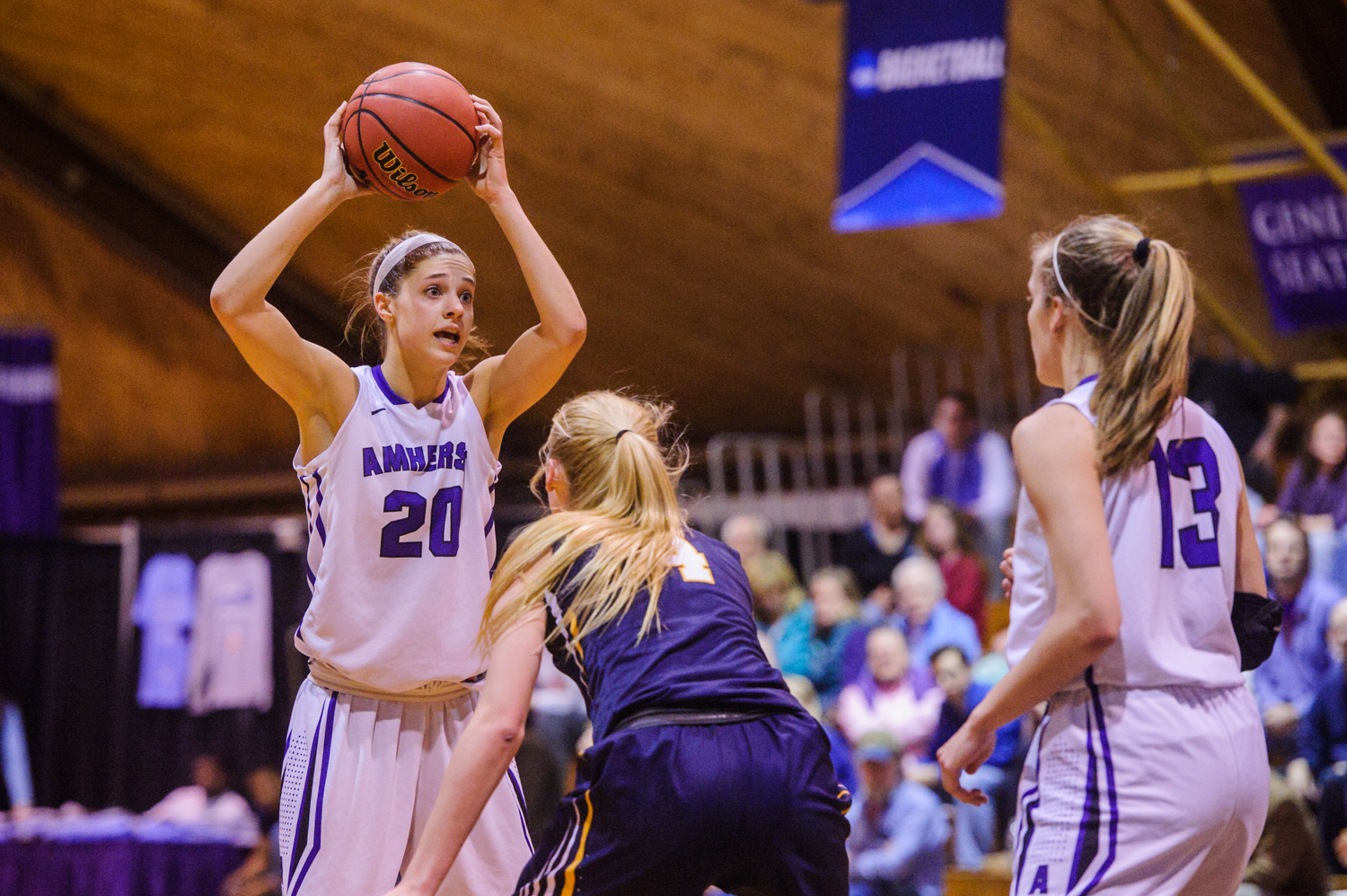 Women's Basketball Dominates | The Amherst Student